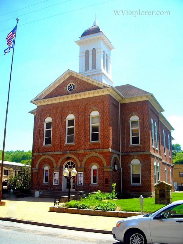 Braxton County Court House