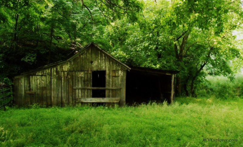 Barn on Cedar Creek