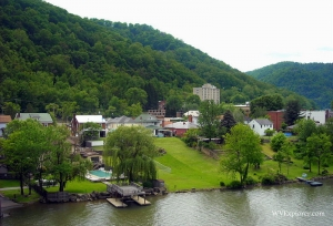 Kanawha waterfront at Montgomery, West Virginia, Kanawha County, Metro Valley Region