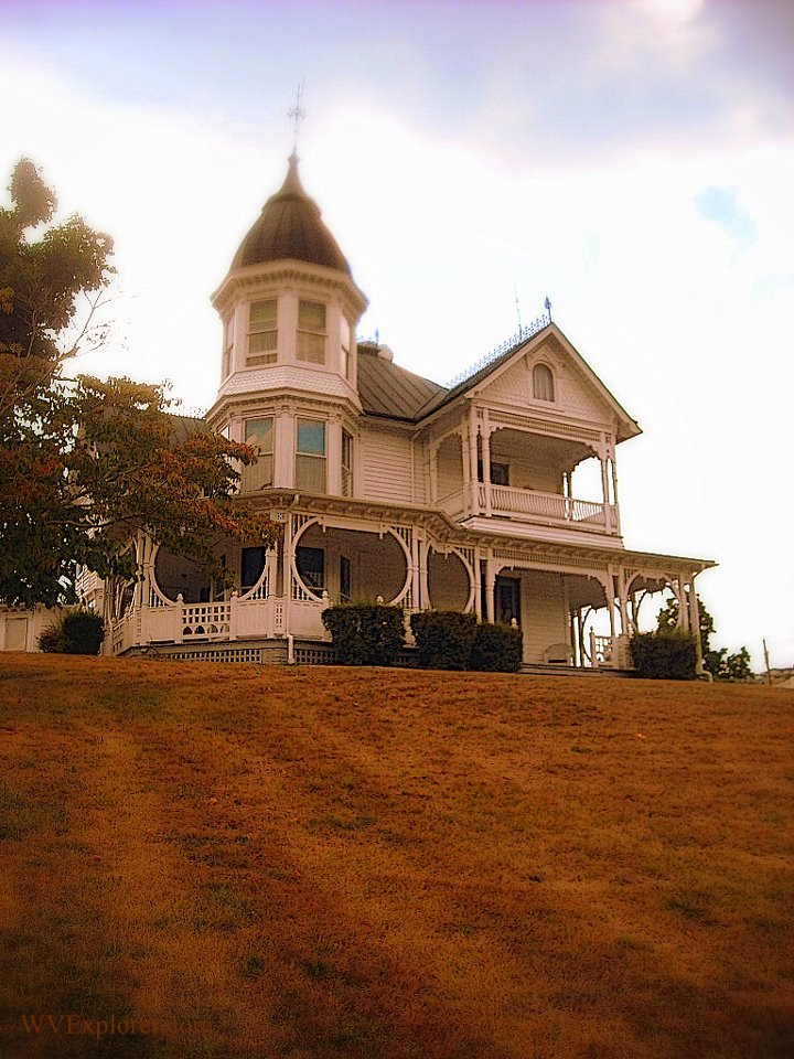 Queen Anne home at Franklin