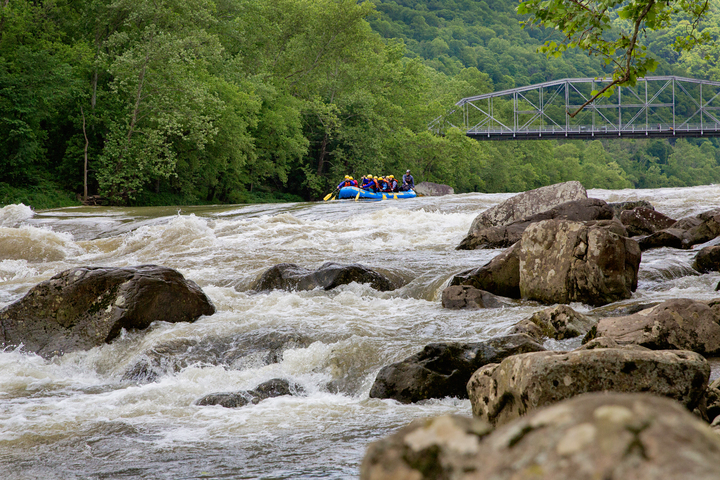 Whitewater rafters sweep into Fayette Station rapids