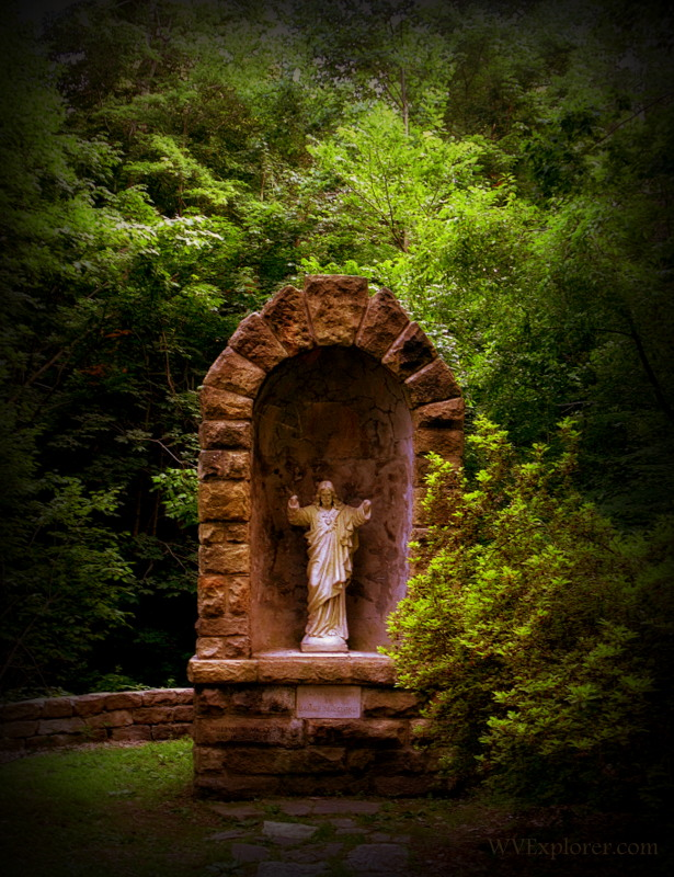 MacCorkle Monument on Carriage Trail, Charleston, West Virginia