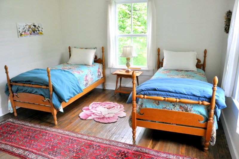 Traditional bedroom at Five Springs
