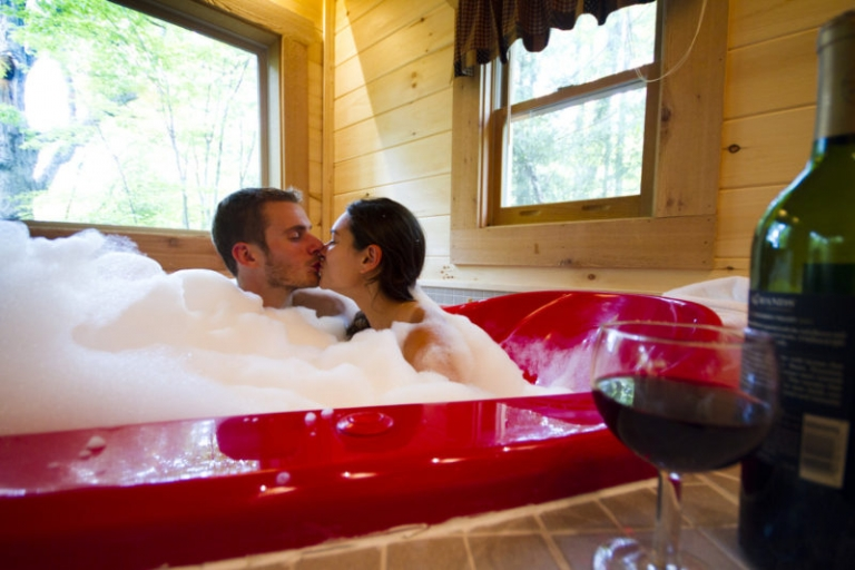 Red heart-shaped tubs attracting couples to W.Va. cabins