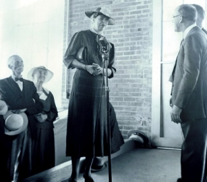 Eleanor Roosevelt at addresses homesteaders at Arthurdale, West Virginia.