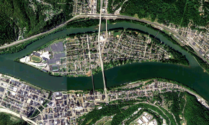 Wheeling Island in the Ohio River at Wheeling, West Virginia. Google Maps image.