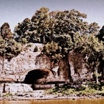 Cave-in-Rock on the lower Ohio was once a notorious pirate stronghold.