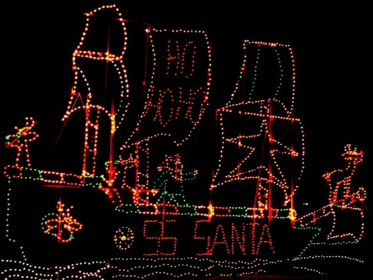 Three holiday light displays attract visitors to Point Pleasant area