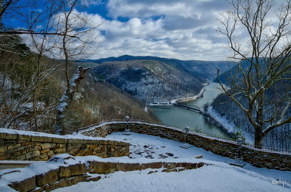 The New River wanders through its gorge beneath the Hawks Nest overlook. Photo courtesy Rick Burgess.