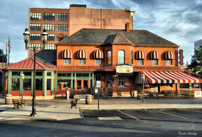 Restaurant space opens in Huntington's Heritage Station