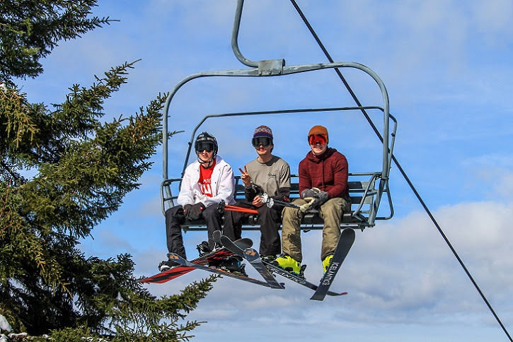 Canaan Valley ski area to remain open through March 17