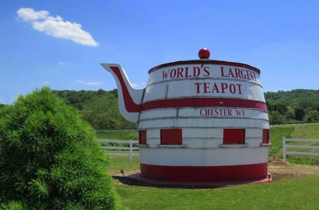 Billed as the world's largest teapot, the Chester Teapot attracts souvenir photographers to the northern pandhandle of the state.