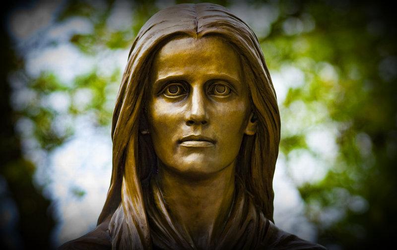 Mary Draper Ingles is immortalized in bronze at Radford, Virginia.