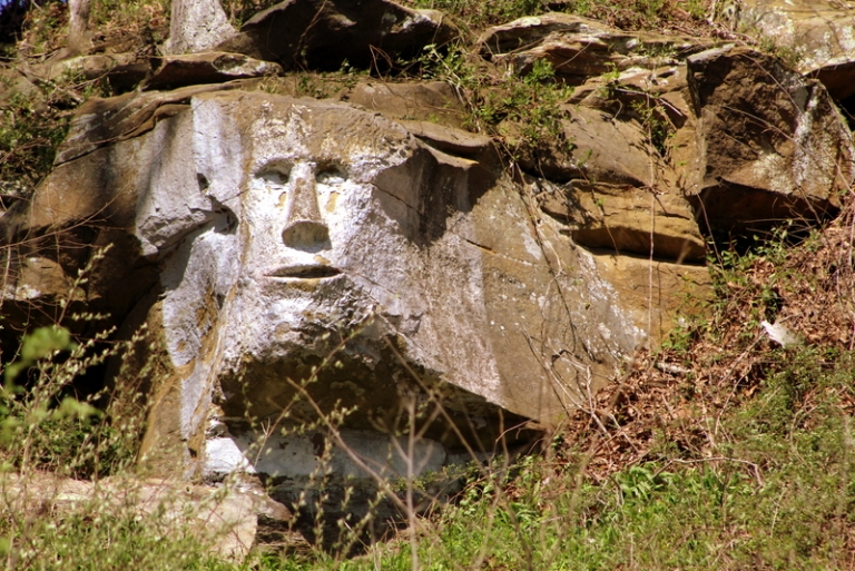 Peculiar rock face near Ripley, WV, attracting more visitors