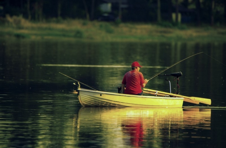 An angler awaits a catch on a West Virginia lake. (Photo courtesy Maggie Smolnicka)
