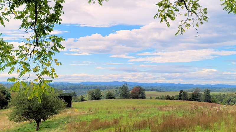 Nicholas County, West Virginia (WV) extends across the level uplands between the Cumberland Mountains, in the distant west, to the peaks of the Alleghenies.